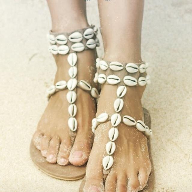 Neem dan een paar Hotlava slippers van She is online mee!