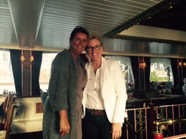 Warm welkom van zakenvrouw in puur sang Petra Ruijs & haar bemanning.