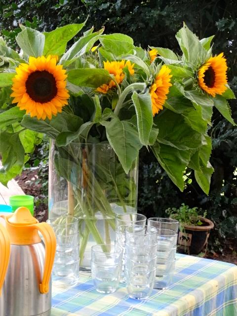 Voor de ouders staat er altijd een gezellige bos bloemen met koffie, thee en lekkers.