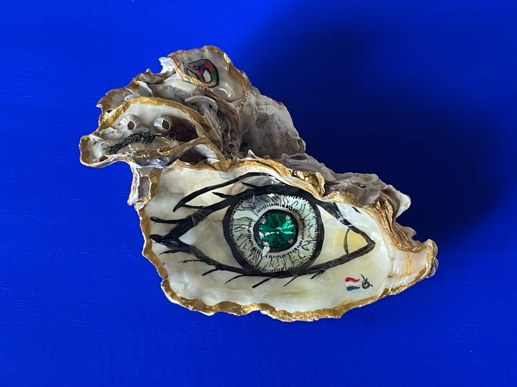 Handbeschilderde Zeeuwse oesters te koop.